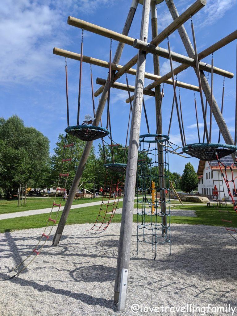 Wildpark Oberreith - Kletterturm mit Vogelnestern